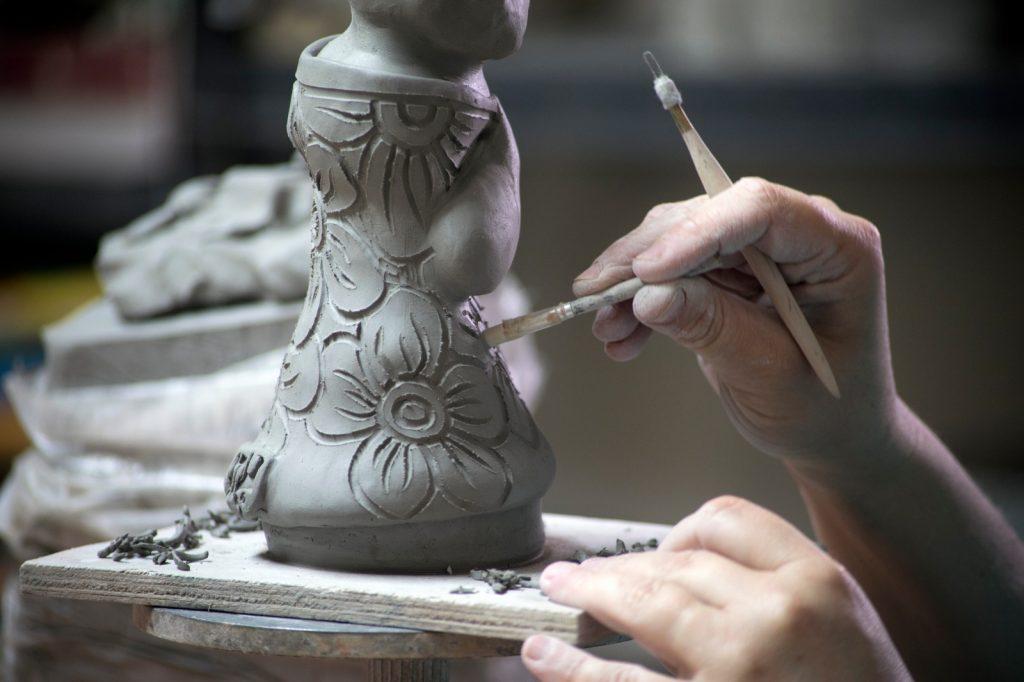 פיסול בחומר, פסלים מתנה