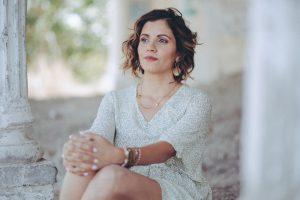 שניקה שקד היא מורה רוחנית ונומרולוגית