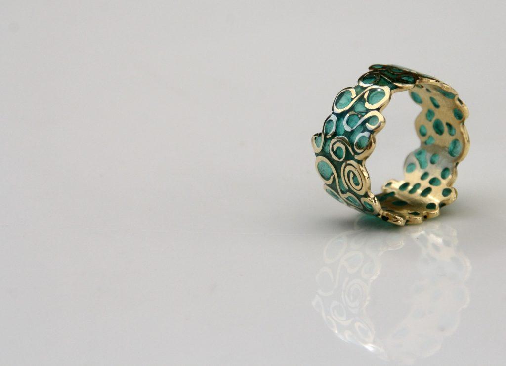 הטבעות המעוצבות של התכשיטים של דובי