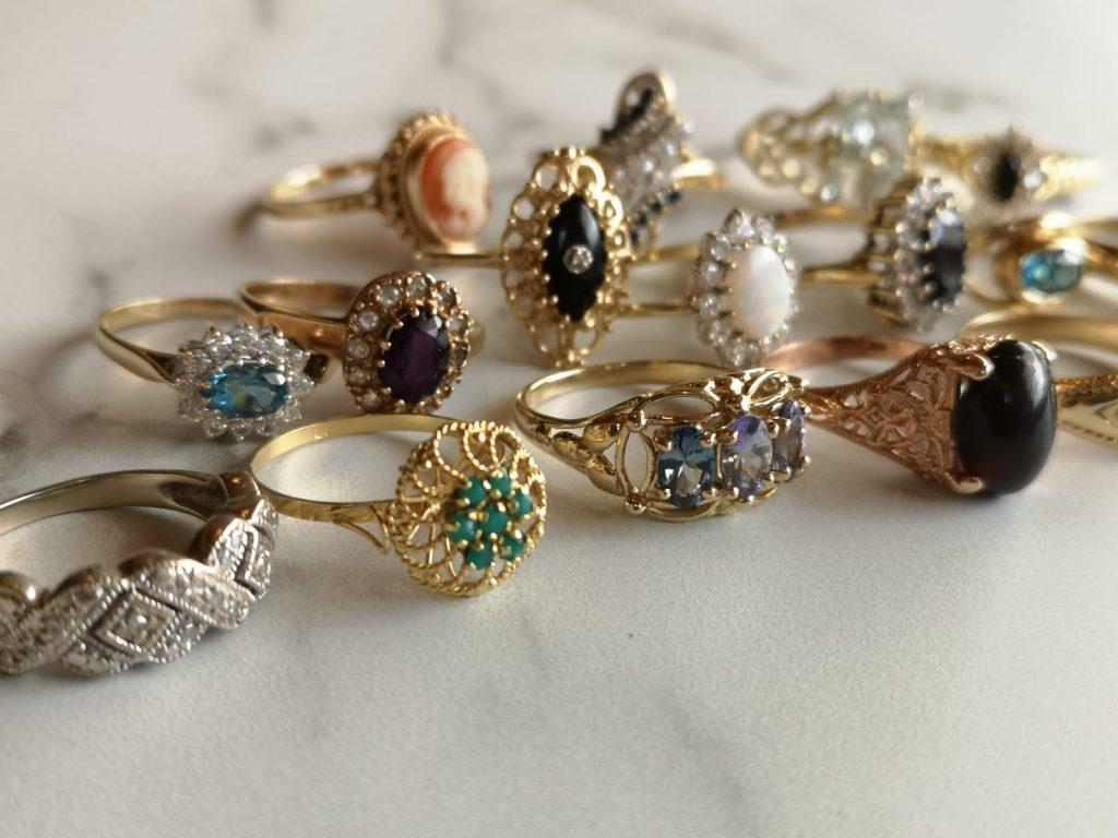 הטבעות של הגלריה של רוזי זהב עתיק