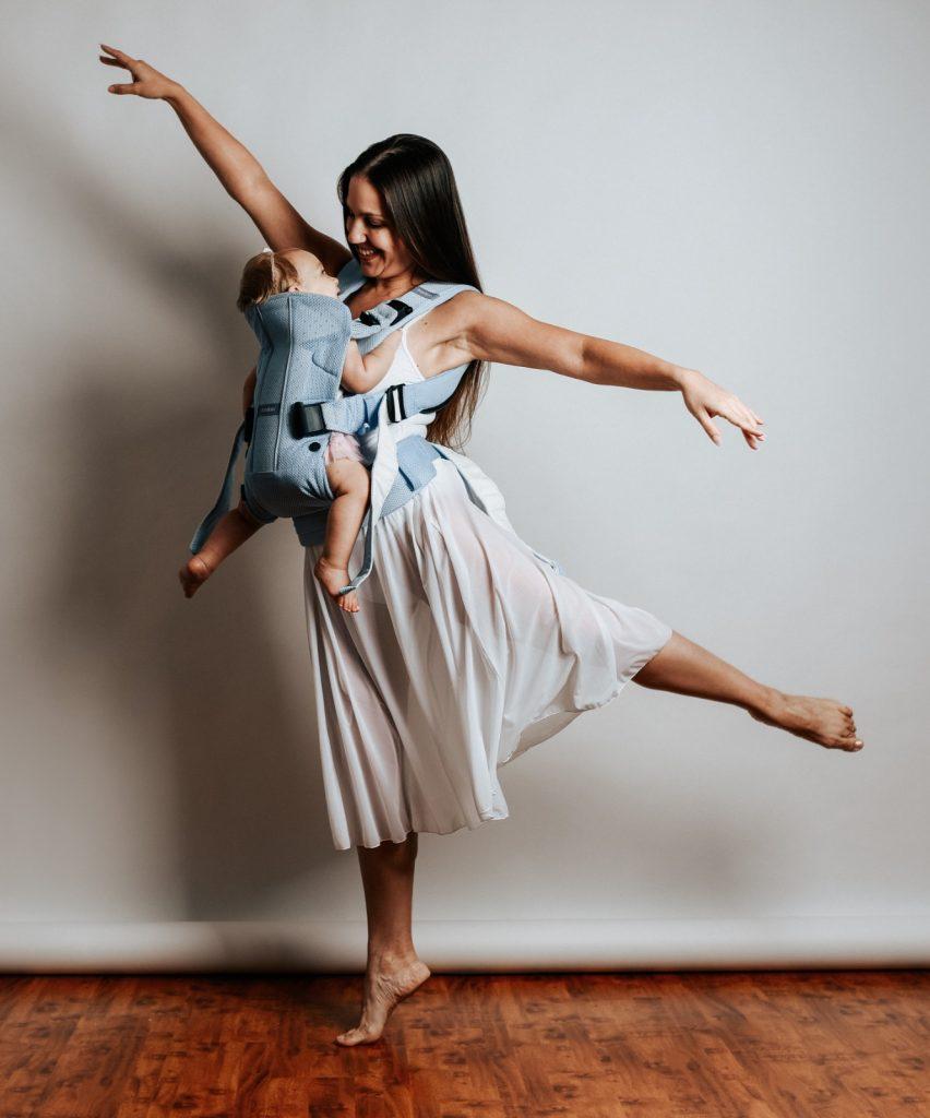 קרן קירשנר סמואל שיעורי ריקוד ותנועה לנשים