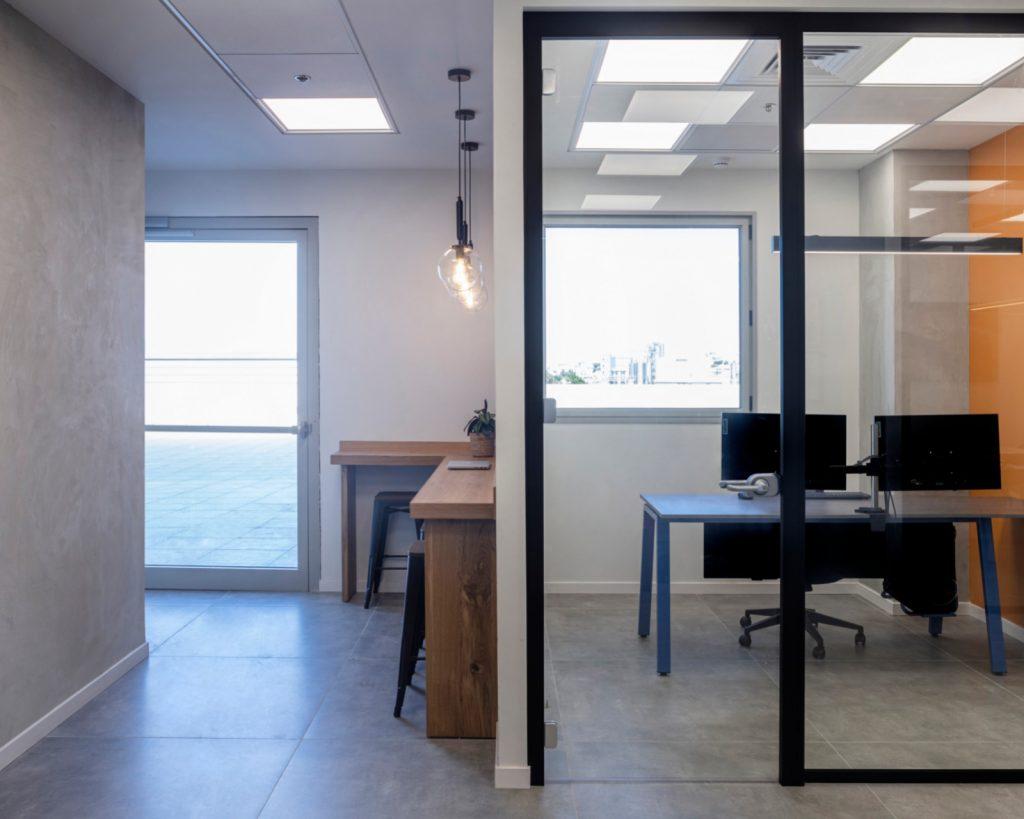 עיצוב משרדי חברה בשטח קטן