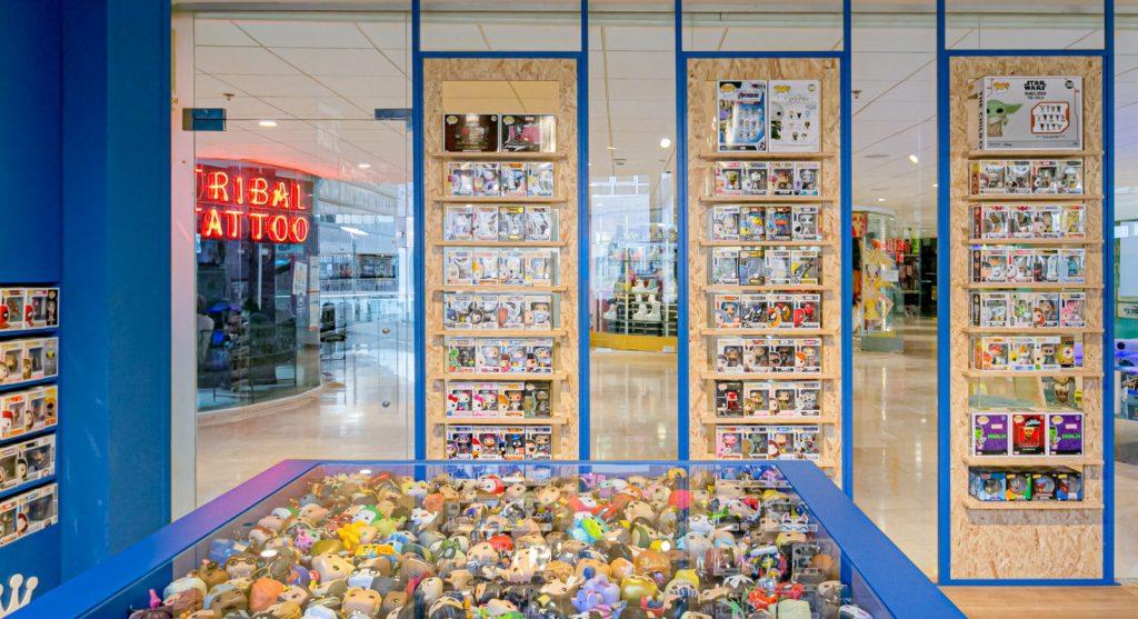 עיצוב חנות משחקים גיקים פנטזיה מעיין רהב