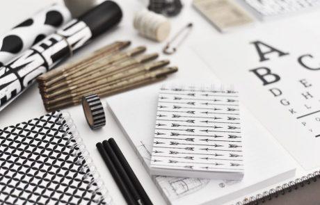 300 גרם של נייר מעוצב בשחור לבן